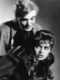 Yvonne Monlaur et David Peel (Brides of Dracula)