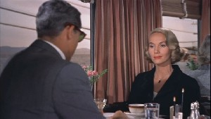 Roger O. Thornill (Cary Grant) rencontre Eve Kendall (Eva Marie Saint)